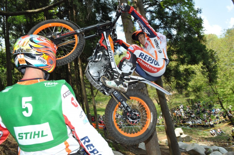Bou a brave second on Day 2 in Japan, Fujinami fourth