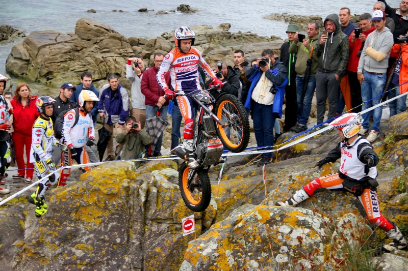 Toni Bou given away a victory and the leadership in the Spanish Championship