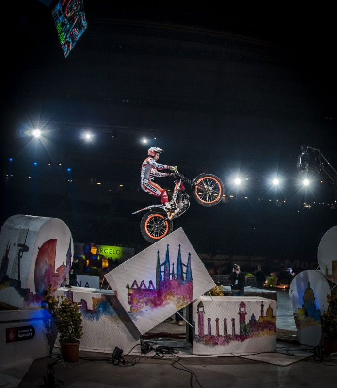 Toni Bou conquers Barcelona and gains the X-Trial World leadership