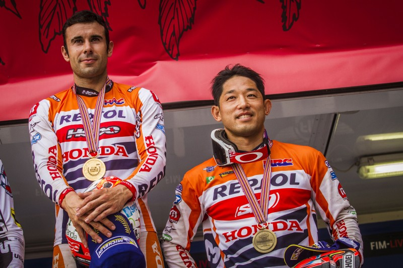 Toni Bou closes the season with another win. Takahisa Fujinami, third in the world championship