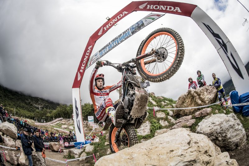 Bou scores the best time in the final qualifying session of the 2017 TrialGP Championship