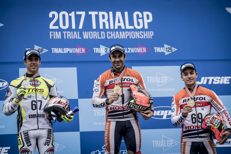 Bou and Busto, in the TrialGP World Championship final podium