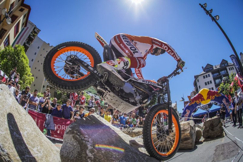 Toni Bou flies through the Andorra TrialGP qualification