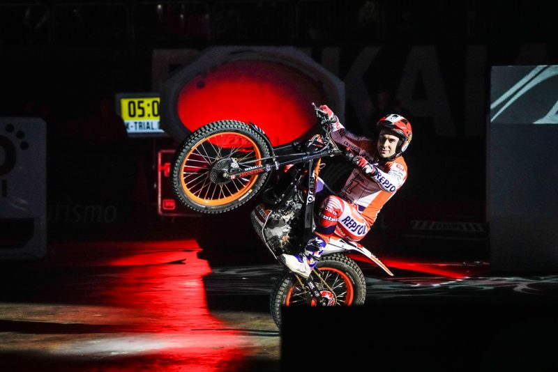 Bou arrives in Granada reinstated at the head of the world championship leader board
