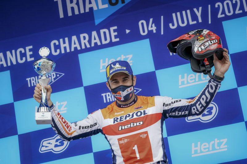 Toni Bou logra su victoria número 120 en el Mundial de Trial tras una gran carrera en Francia